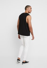 Cheap Monday - HIM SPRAY - Jeans Skinny Fit - average cut white - 2