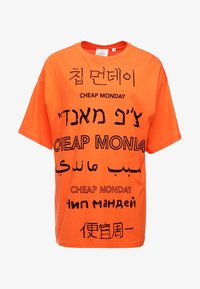 Cheap Monday - MEGA TEE LANGUAGE LOGO - T-shirt imprimé - orange - 3