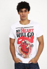 Cheap Monday - STANDARD TEE HEART POSTER - T-shirt con stampa - white - 0