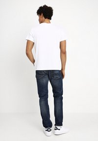 Cheap Monday - STANDARD TEE HEART POSTER - T-shirt con stampa - white - 2