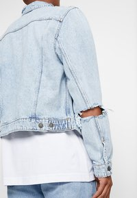 Cheap Monday - LEGIT JACKET TRASHED - Giacca di jeans - air blue - 4