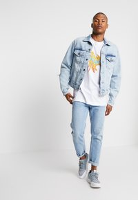 Cheap Monday - LEGIT JACKET TRASHED - Giacca di jeans - air blue - 1