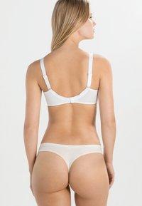Chantelle - HEDONA - Kaarituelliset rintaliivit - white - 2