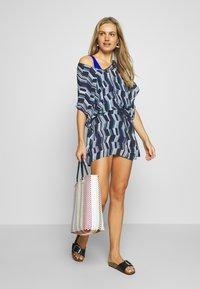 Chantelle - DEEP SEA KAFTAN - Strand accessories - blue waves - 1