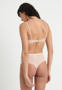 Chantelle - SOFTSTRETCH - String - beige doré - 2