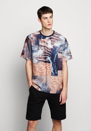 HABOTAI MARS - Print T-shirt - multi-coloured