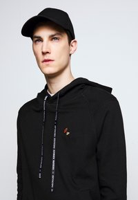 Raeburn - HOODED - Luvtröja - black - 4