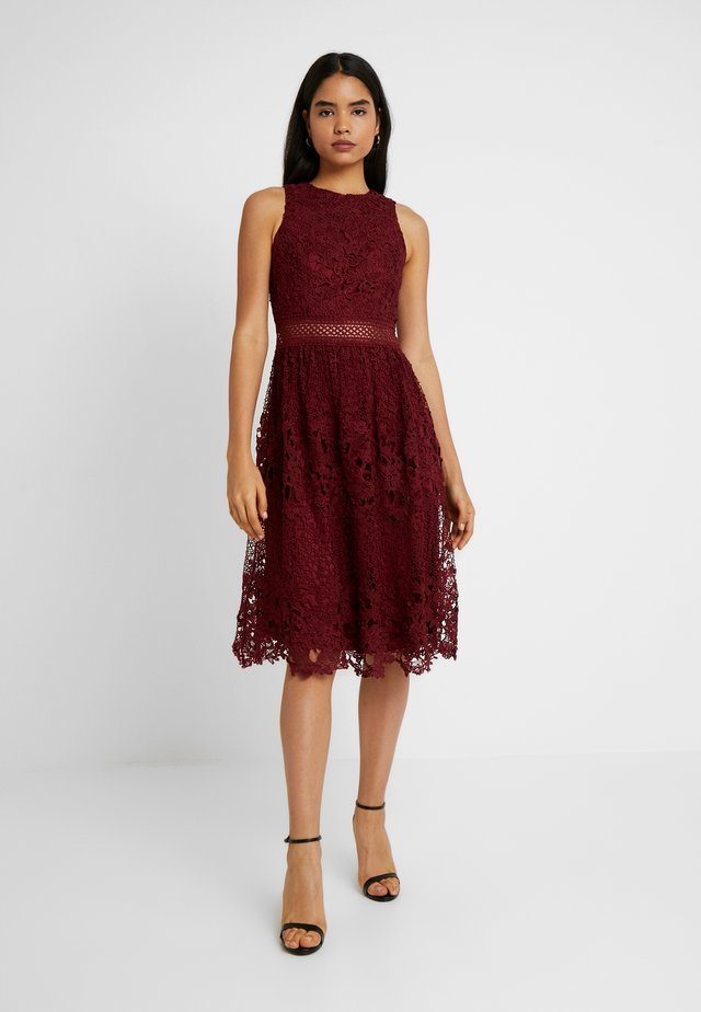 VERSILLA - Cocktailkleid/festliches Kleid - burgundy