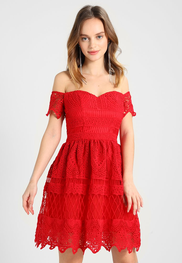 Chi Chi London Petite - MARYAM - Cocktail dress / Party dress - red