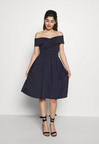 Chi Chi London Petite - BAY DRESS - Cocktail dress / Party dress - navy - 0