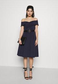 Chi Chi London Petite - BAY DRESS - Cocktail dress / Party dress - navy - 1