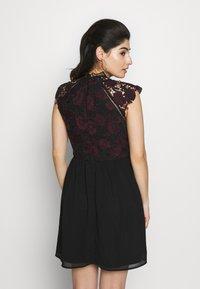 Chi Chi London Petite - SAWYER DRESS - Vestito elegante - black - 2