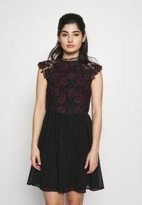 Chi Chi London Petite - SAWYER DRESS - Vestito elegante - black - 0