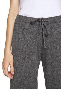 CHINTI & PARKER - ESSENTIALS WIDE LEG PANT - Broek - grey - 3