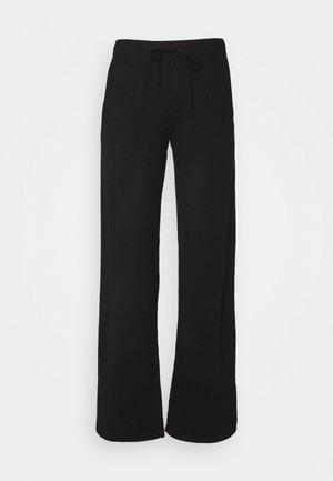 ESSENTIALS WIDE LEG PANT - Pantaloni - black