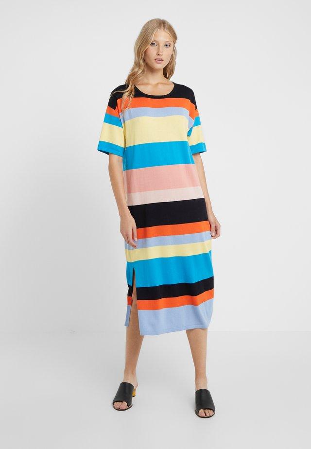 JULIA DRESS - Stickad klänning - multi