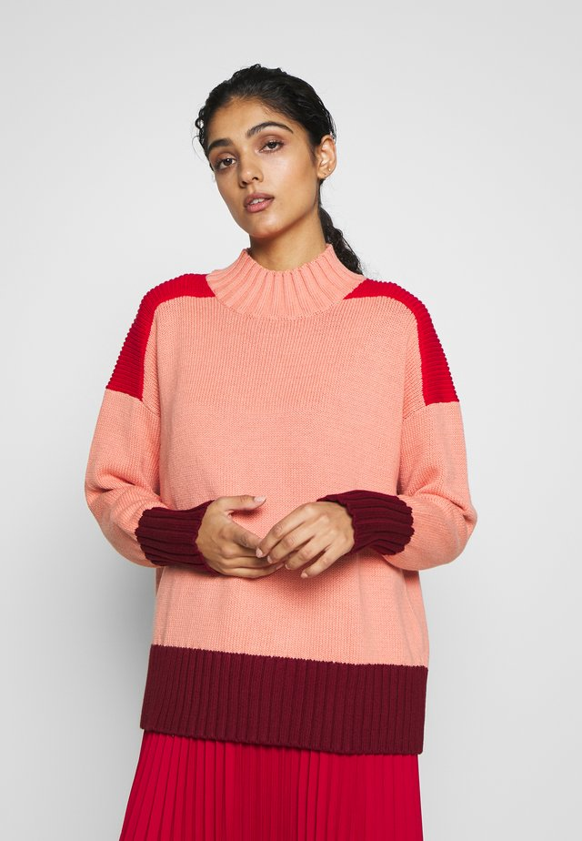 COMFORT - Sweter - dusty rose/primary red/berry
