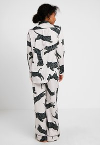 Chalmers - SUZIE SET - Pyjamas - tiger moon grey - 2