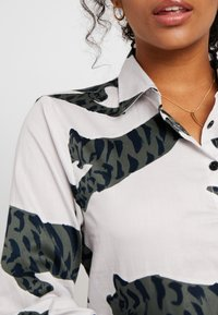 Chalmers - SUZIE SET - Pyjamas - tiger moon grey - 4