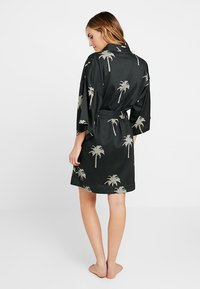 Chalmers - MARGAUX ROBE - Dressing gown - moss - 2
