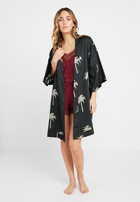 Chalmers - MARGAUX ROBE - Dressing gown - moss - 1