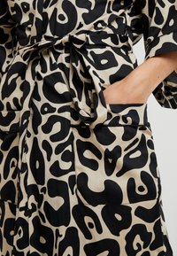 Chalmers - MARGAUX ROBE - Dressing gown - tan - 5