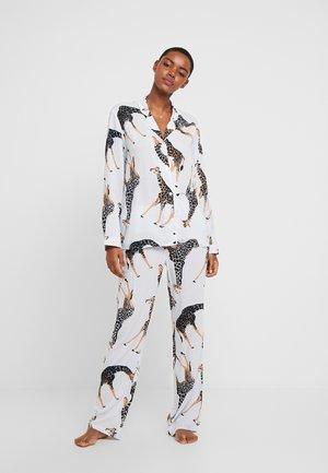 MIA SET - Pyjama set - giraffe fern