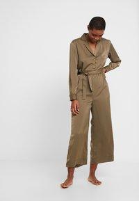 Chalmers - BROOKE JUMPSUIT - Pyjamas - military - 1
