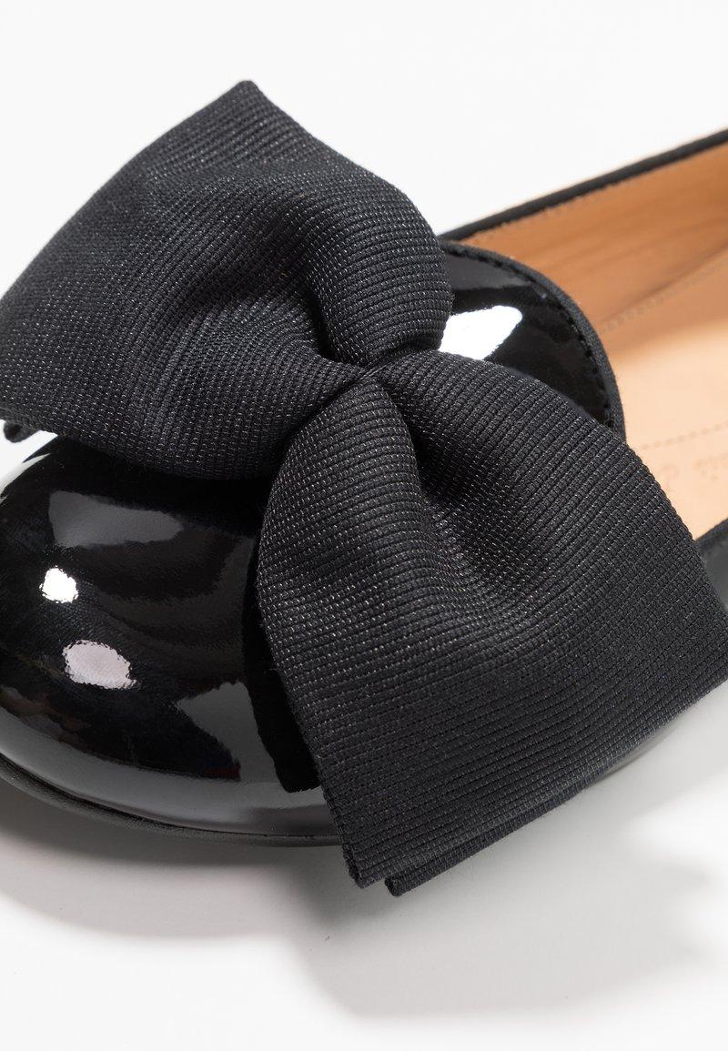 Oscar Black Black Oversize BowMocassins Oversize Chatelles Chatelles Oscar BowMocassins wn8Nm0