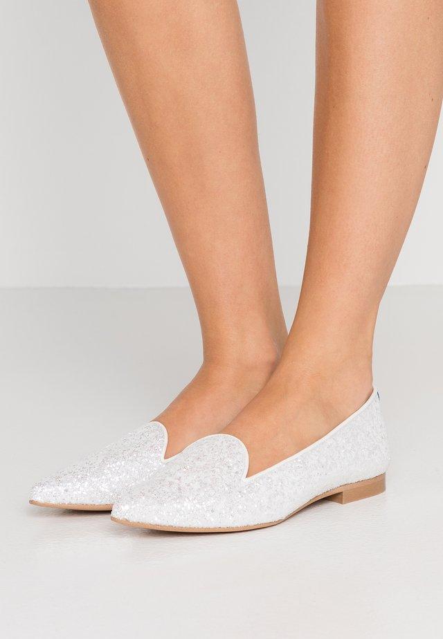 ANATOLE POINTY - Mocassins - cream glitters