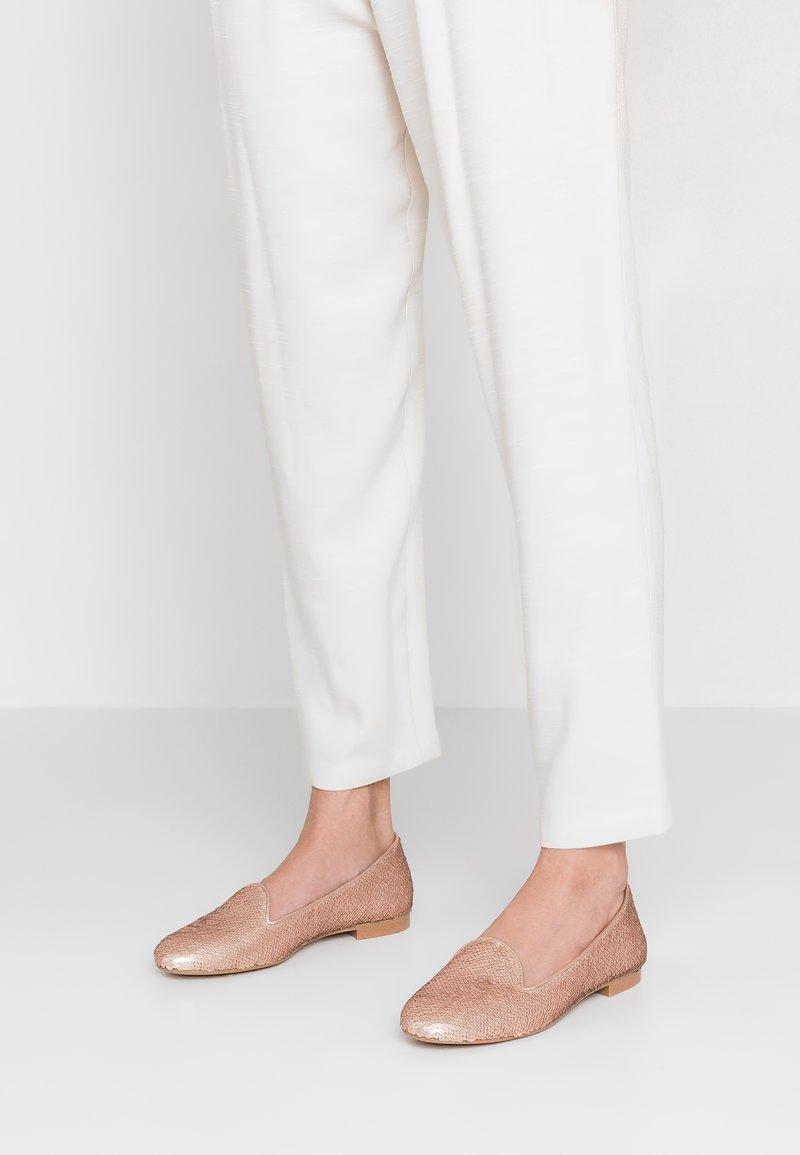 Chatelles - Nazouvací boty - nude pink