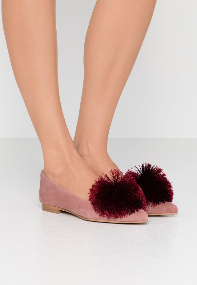 CANDIDE POINTY - Loaferit/pistokkaat - vintage pink/bordeaux