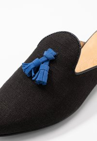 Chatelles - HOMÈRE TASSELS - Pantofle - black/blue - 2