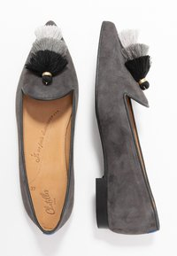 Chatelles - POINTY TRIPLE TASSEL - Nazouvací boty - grey - 3