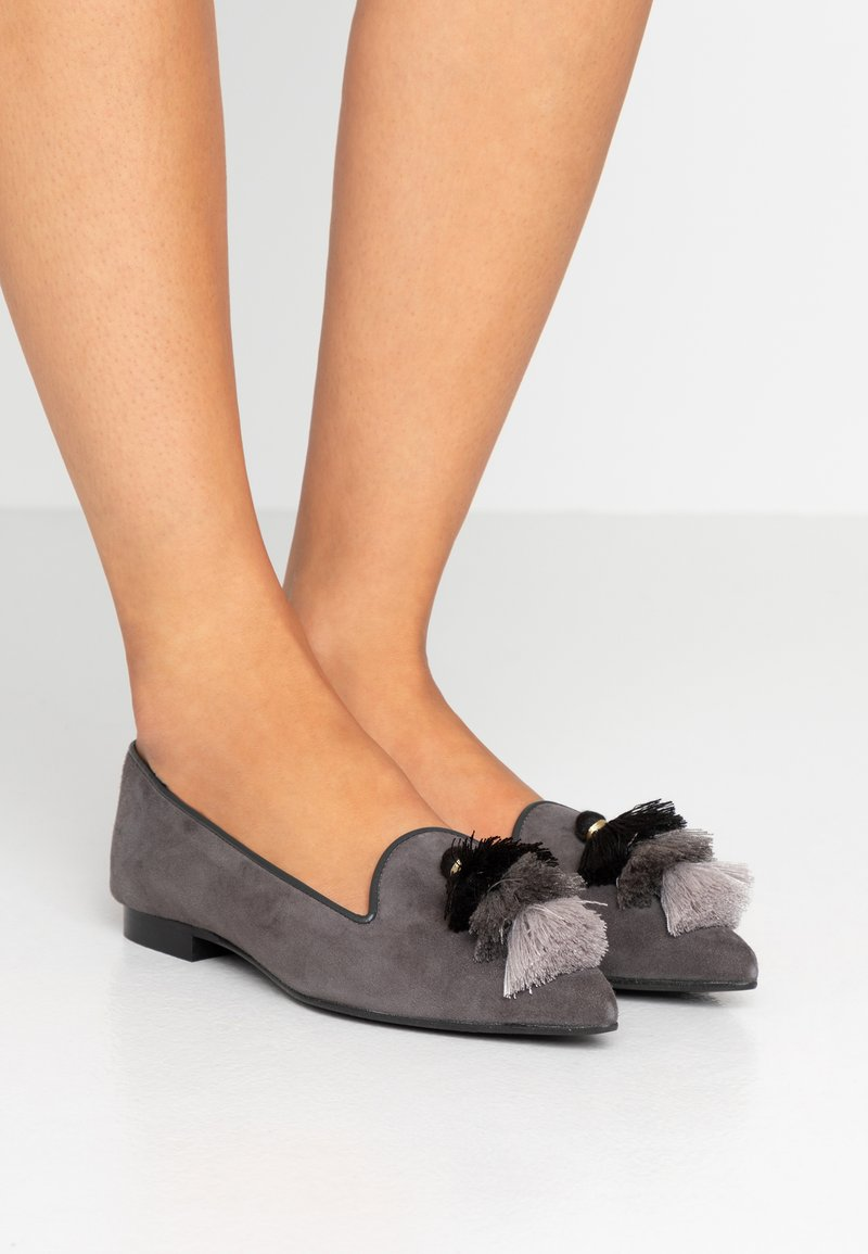 Chatelles - POINTY TRIPLE TASSEL - Nazouvací boty - grey