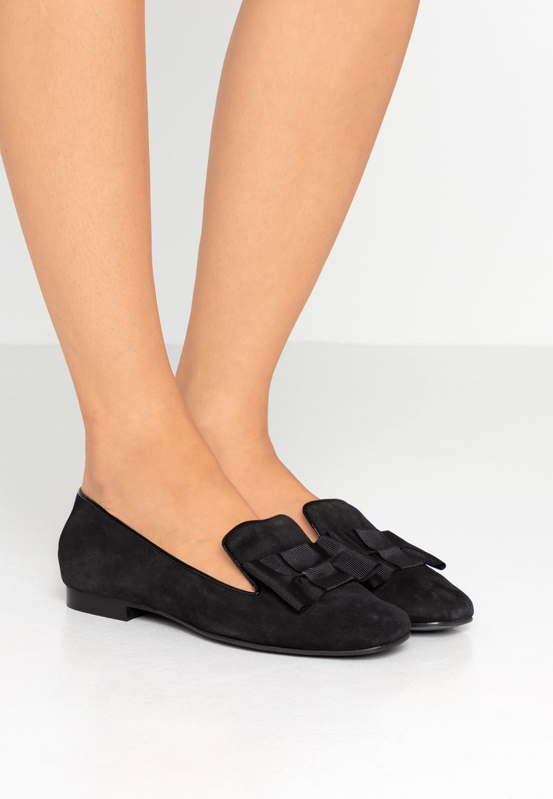 Chatelles - VERSAILLE  WITH BOW - Slippers - black