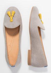 Chatelles - FRANÇOIS TASSELS - Nazouvací boty - grey/yellow - 3