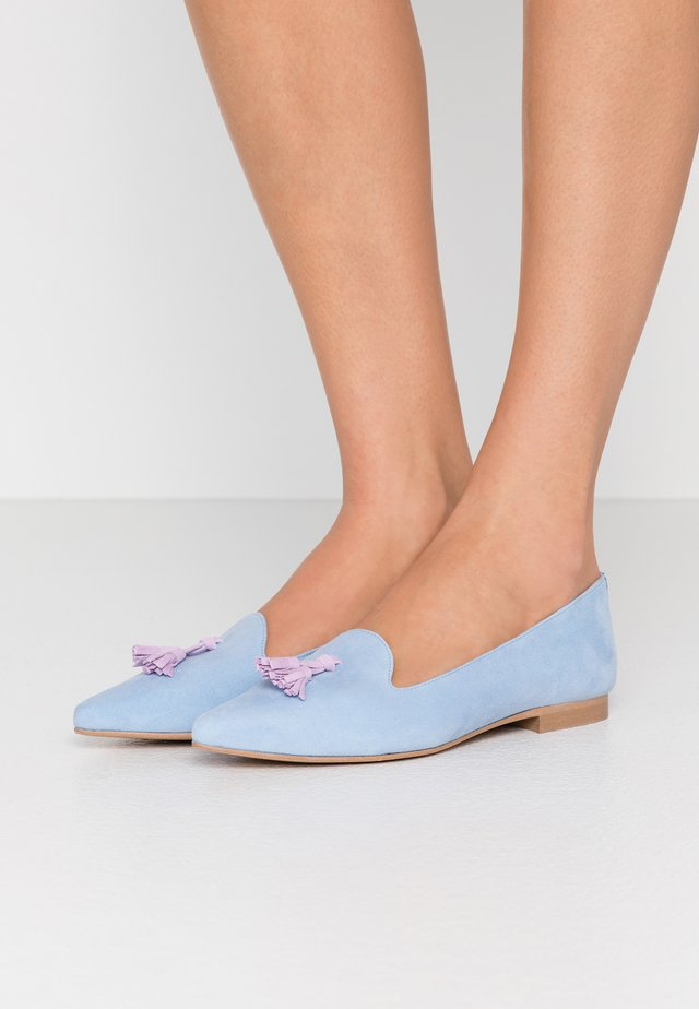 FRANÇOIS POINTY TASSELS - Slip-ons - light blue/lavender