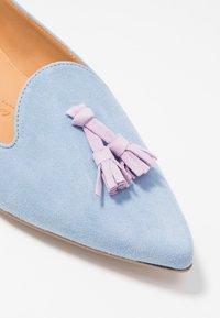 Chatelles - FRANÇOIS POINTY TASSELS - Nazouvací boty - light blue/lavender - 2