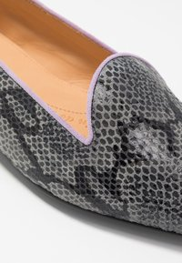 Chatelles - MELCHIOR POINTY - Loafers - grey/lilac - 2