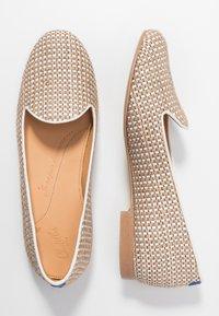 Chatelles - FRANÇOIS  - Nazouvací boty - beige/white - 3