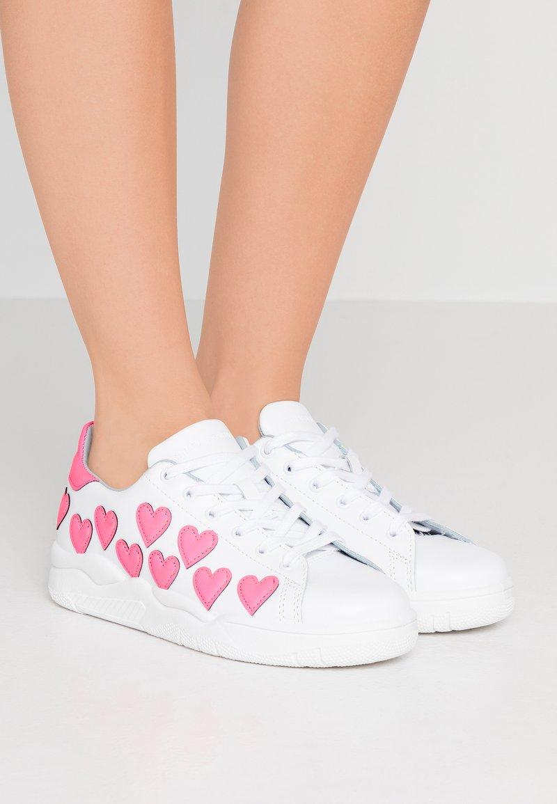 CHIARA FERRAGNI - ROGER - Sneakers - pink fluo