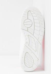 CHIARA FERRAGNI - ROGER - Sneakers - pink fluo - 6