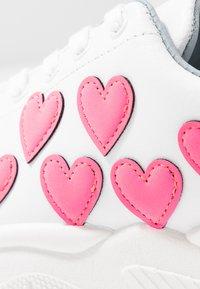 CHIARA FERRAGNI - ROGER - Sneakers - pink fluo - 2