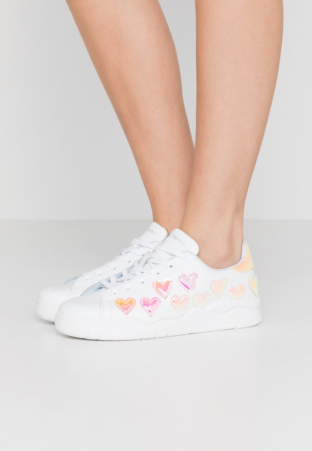 ROGER - Sneaker low - white/pink