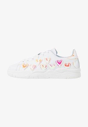 ROGER - Zapatillas - white/pink