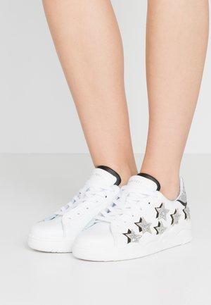 ROGER - Sneaker low - white/silver/black