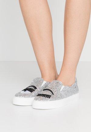 Nazouvací boty - silver glitter