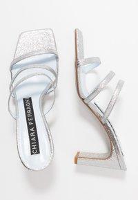 CHIARA FERRAGNI - BLONDIE - Pantofle na podpatku - glitter silver - 3