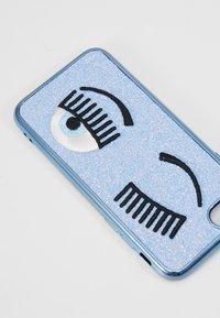 CHIARA FERRAGNI - FLIRTING GLITTER COVER IPHONE - Obal na telefon - blue - 2